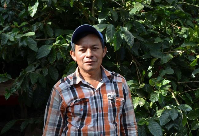 https://www.martermuehle.de/media/image/27/0c/g0/Mikrolot-Don-Gregorio-Kaffeebauer-Guatemala9N4pqbEp8sqmE.jpg
